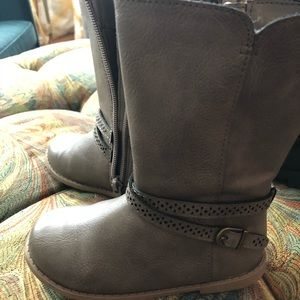 Other - Size 8 girl toddler boots.